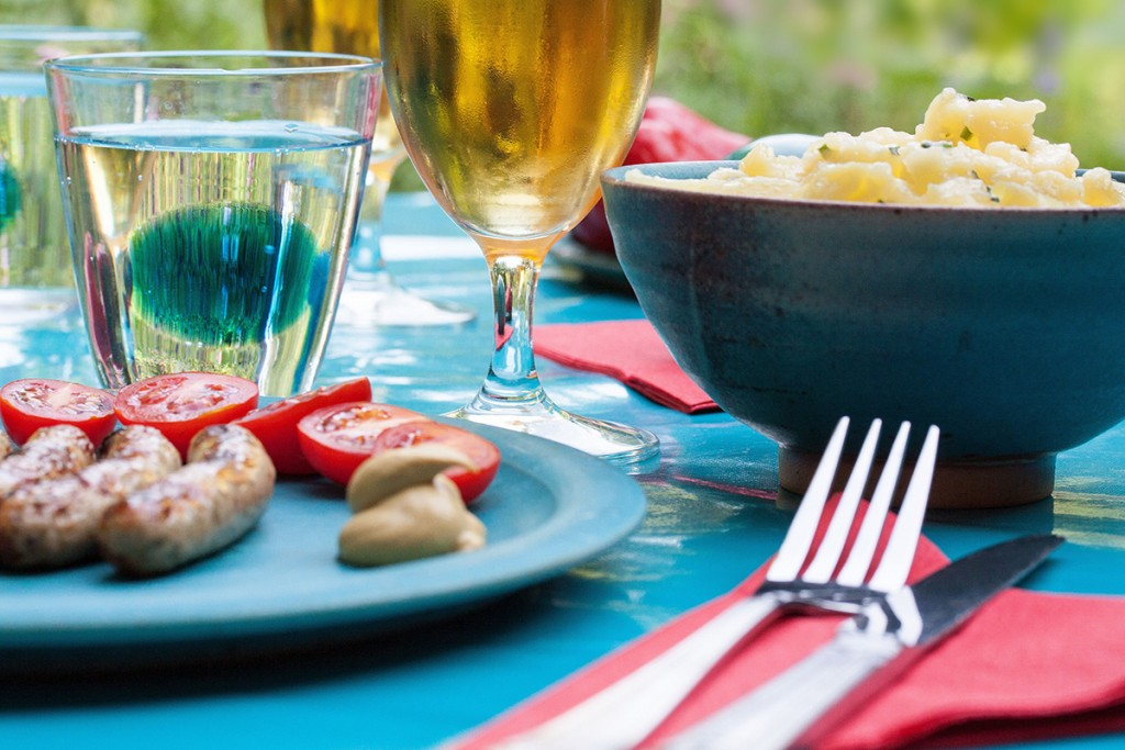 barbecue-beer-cutlery-2139